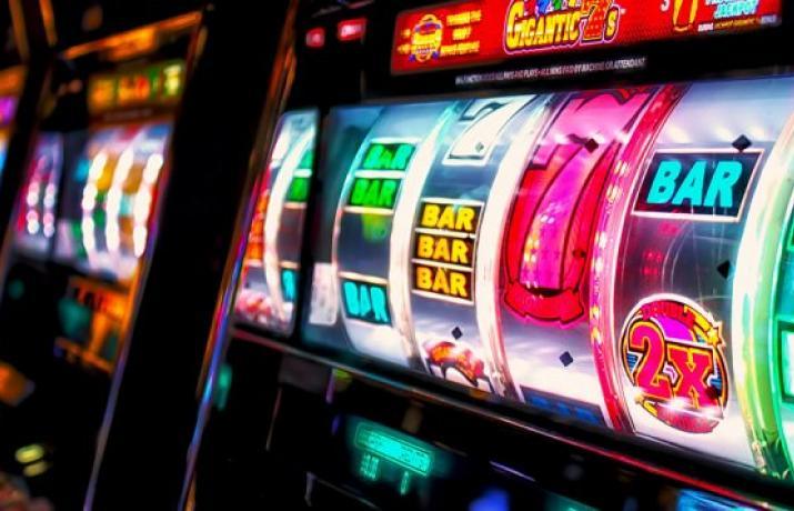 Песни про игровые автоматы слушать онлайн игроки смотреть онлайн про покер